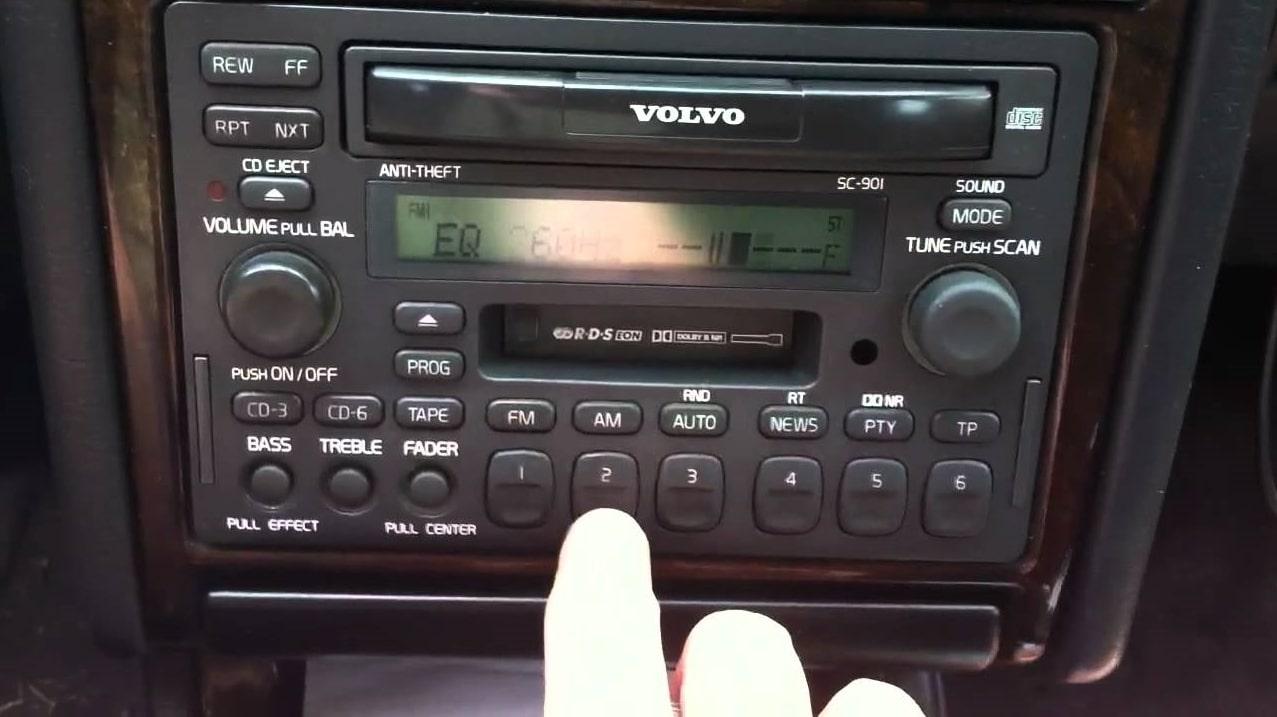 V40 Radio Code