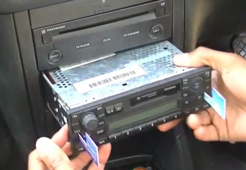 Remove Volkswagen Radio
